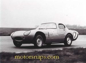 Silverstone_International_14_May__1962_S_J_C__Minoprio_Marcos_GT__2_