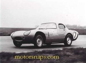 Silverstone_International_14_May__1962_S_J_C__Minoprio_Marcos_GT__2_