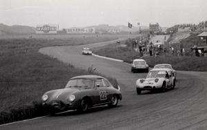 1961-world-cup-zandvoort-marcos-xylon-van-john-sutton-nr-4-en-22-evert-jan-groen-porsche-1600